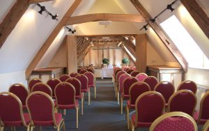 Intimate wedding ceremonies at Oak Rooms